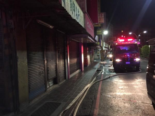 火警發生在凌晨3點多。(民眾提供)