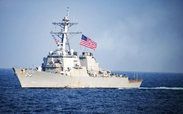 美國伯克級驅逐艦「史蒂森號」(USS Stethem) 今年3月間航行於韓國東部海域畫面。 (Mass Communication Specialist 3rd Class Kurtis A. Hatcher/U.S. Navy via AP)
