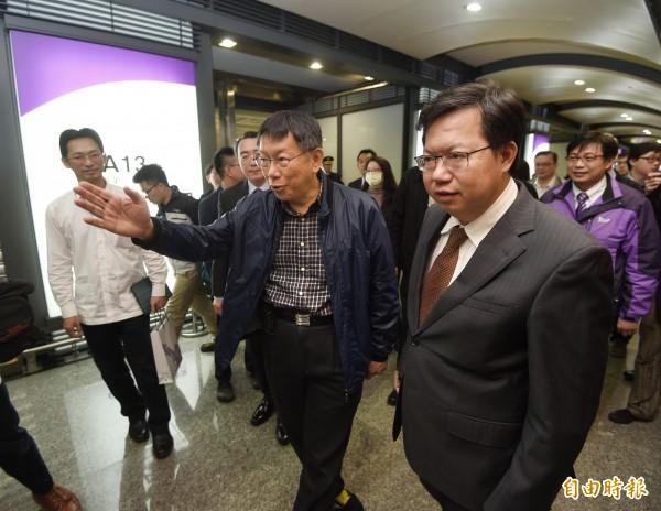 台北市長柯文哲昨視察完機捷後,讚賞機捷WiFi設置,同時指出在今年底之前,北捷也會全面啟用WiFi。(資料照,記者方賓照攝)