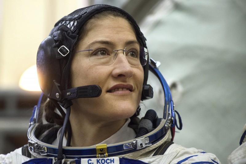 NASA的太空人安妮‧麥克林與克里斯汀娜‧科克(見圖)3月29日將執行太空漫步的任務。(資料照,美聯社)