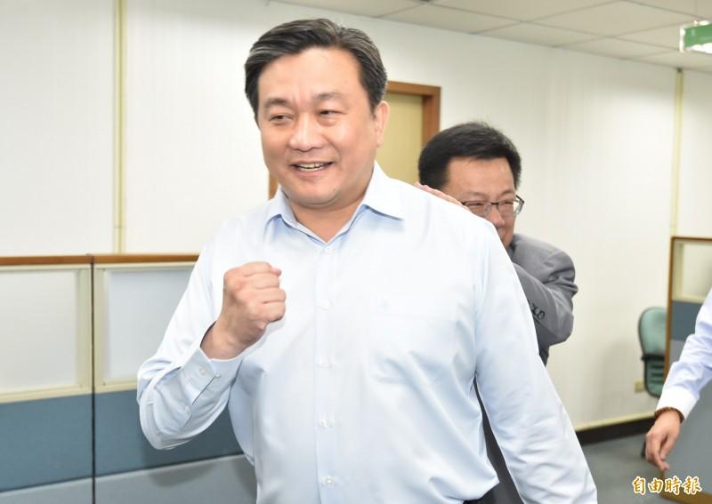 據了解,民進黨中常委王定宇今於會中不滿表示,指中央黨部人事是「小圈圈任命」,當場表示要辭去中常委。(記者塗建榮攝)