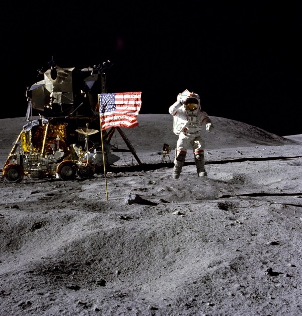 楊恩是第9位踏上月球的太空人。(美聯社)