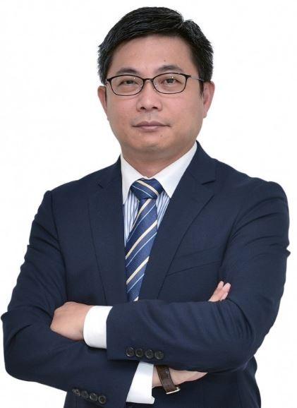 新任新竹市政府都發處長由前高雄市政府副秘書長陳凱凌出任。(記者蔡彰盛翻攝)