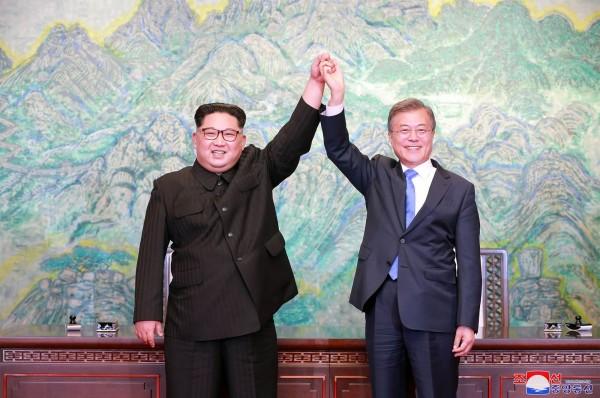 民調結果指出,南韓學生並不把北韓當敵人,甚至還是應該合作的對象,支持兩韓統一的人數也大幅提升。(法新社)