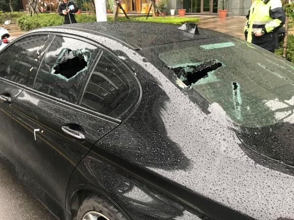 砸車示意圖,與本文受害車輛無關。(資料照,記者曾健銘翻攝)