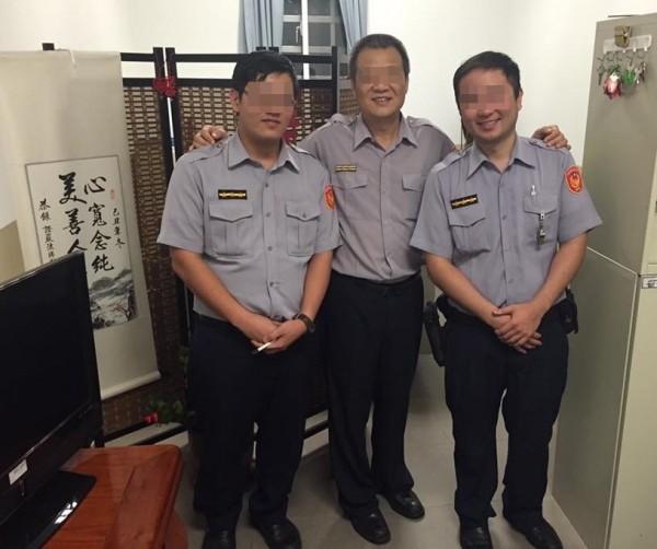 蔡柏威(左1)與同事合照。(資料照,記者姜翔翻攝)