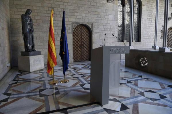 加泰主席普伊格蒙特(Carles Puigdemont)原本要在當地時間下午發布聲明,但後來又取消。(法新社)