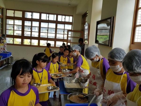 宜蘭縣長林姿妙補助全縣國中小營養午餐政策,經費粗估要3億元。(民眾提供)