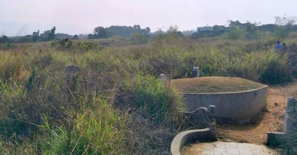 家住台中沙鹿王嘉民去年12月30日遭人擄走,手機訊號消失在南投市第9公墓,1月5日被發現遭埋屍這個偏僻公墓。(記者謝介裕翻攝)