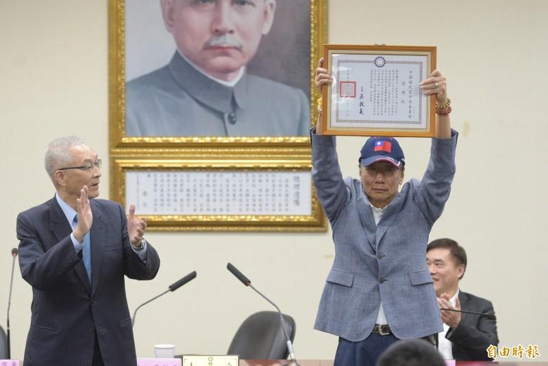 友郭議員牛煦庭日前在政論節目上表示,郭台銘早在8月底就想退黨。(資料照)