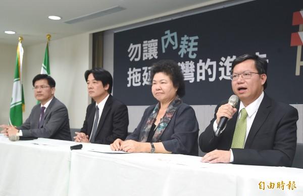 國民黨主席候選人郝龍斌說,「前瞻計畫」把錢用在中南部做軌道運輸,沒有意義,慘遭高雄市長陳菊、台南市長賴清德痛批。(記者廖振輝攝)