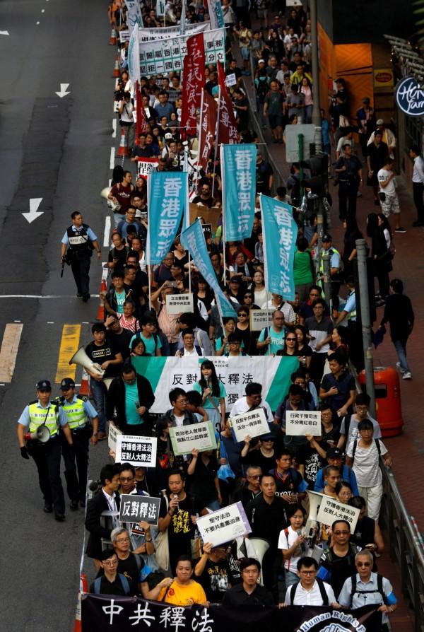 香港今天有萬人上街頭遊行。(路透)