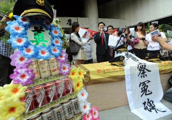 洪崇晏去年發起行動,替基層員警捍衛權益。(資料照,記者王藝菘攝)