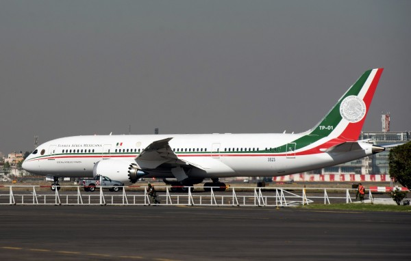 墨西哥新總統決定出售總統專機,目前已停放在美國南加州待價而沽。(法新社)