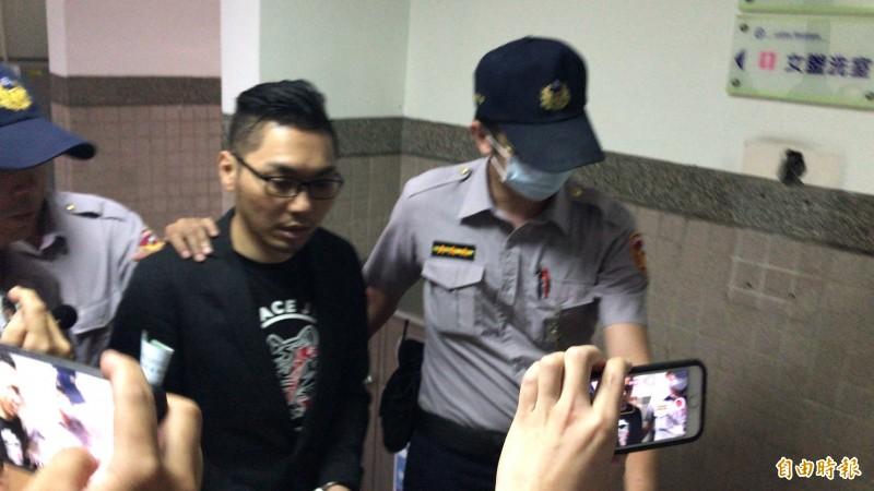 有幫派背景的網紅直播者連千毅被裁定羈押禁見。(記者黃良傑攝)