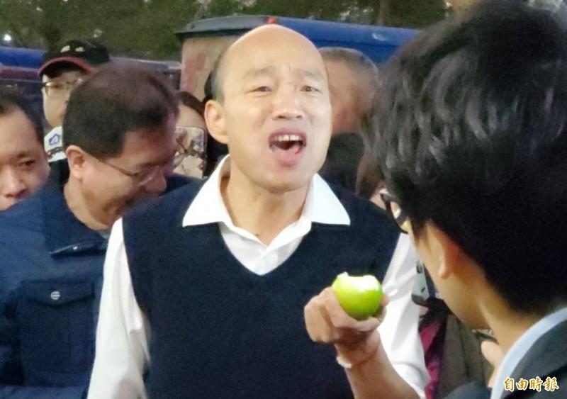 國民黨總統候選人韓國瑜(見圖)在2020總統大選中失利後,除了面臨高雄市民的罷韓怒火,現在還有國民黨黨員及支持者進行連署,要求開除韓國瑜黨籍。(資料照)