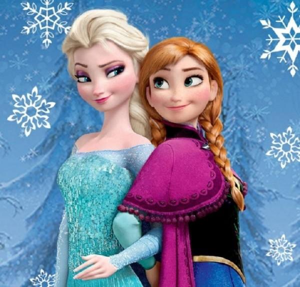「冰雪奇緣」女主角艾莎(左)奪下2014年最受歡迎的虛擬角色。(圖片擷取自冰雪奇緣官方臉書)