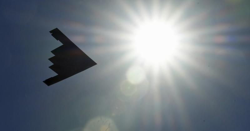目前世界上唯一的匿蹤戰略轟炸機,美軍「B-2幽靈戰略轟炸機」迎首飛30週年。(美聯社)
