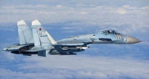 美國國防部指出,俄國Su-27戰鬥機7日在黑海上空攔截美國偵察機,兩機擦身而過時僅3公尺。圖為Su-27戰鬥機。(路透)