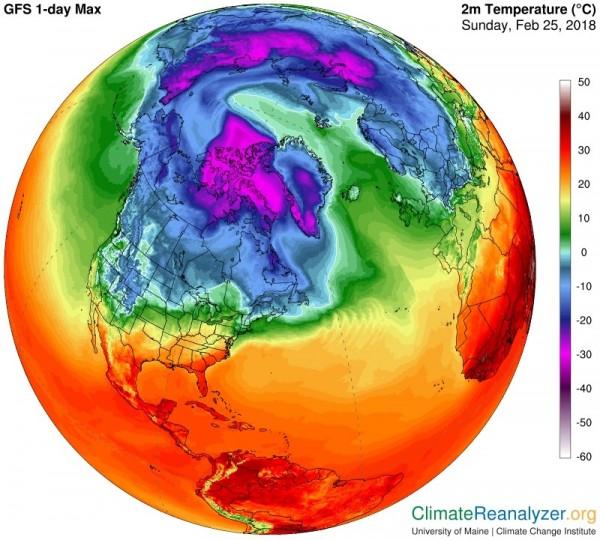 在3月21日前,北極不會受到太陽照射,是一年中最冷的時刻,但在本月25日發生北極史上最高溫「攝氏2度」。(圖擷取自UNIVERSITY OF MAINE CLIMATE REANALYZER)