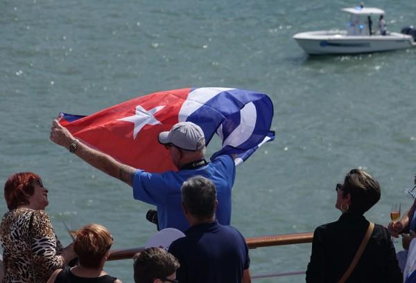 美麗號載有700名乘客,預計2日抵達哈瓦那。(美聯社)