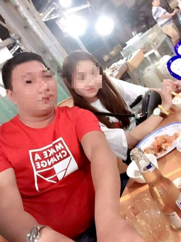 蕭家女兒指控生母在越南有新歡,兩人還大方合照。(記者黃佳琳翻攝)