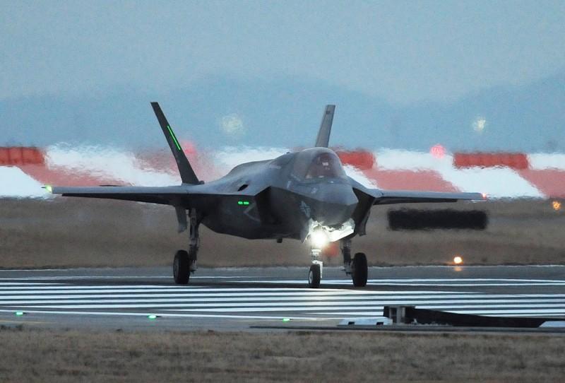 一隊F-35隱形戰機中隊在2017年起進駐日本岩國航空基地,這是F-35戰機首次在海外永久作戰部署。(法新社)