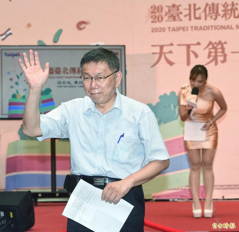 台北市長柯文哲昨(9日)接受電視專訪,不諱言朝選總統前進,今天態度轉低表示,要準備的工作相當多。(記者方賓照攝)