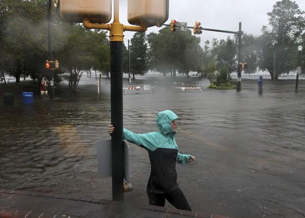 颶風雖然才剛登陸,已經造成嚴重影響。(美聯社)