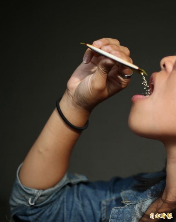 美國奧古斯塔大學發布研究指出,益生菌應被歸類為藥物,它們恐引發D-乳酸中毒,干擾大腦且影響思考能力,研究發布在《臨床與轉化胃病學》期刊。(資料照)