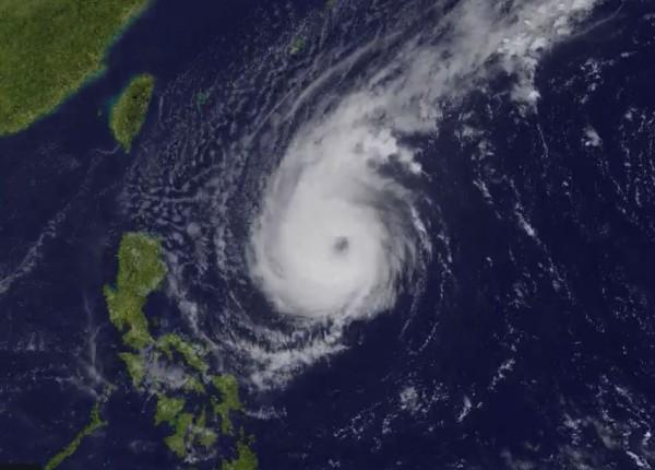 美國氣象專家認為,玉兔颱風可能會在下週晚些時候帶給台灣暴雨。(圖擷取自傑森.尼科爾斯推特)