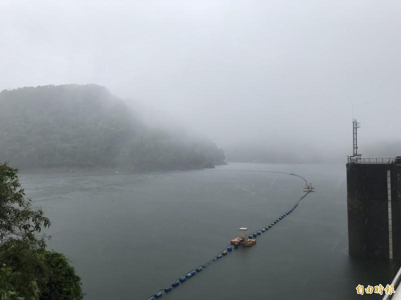 首波梅雨鋒面到來,為石門水庫解渴。(資料照)
