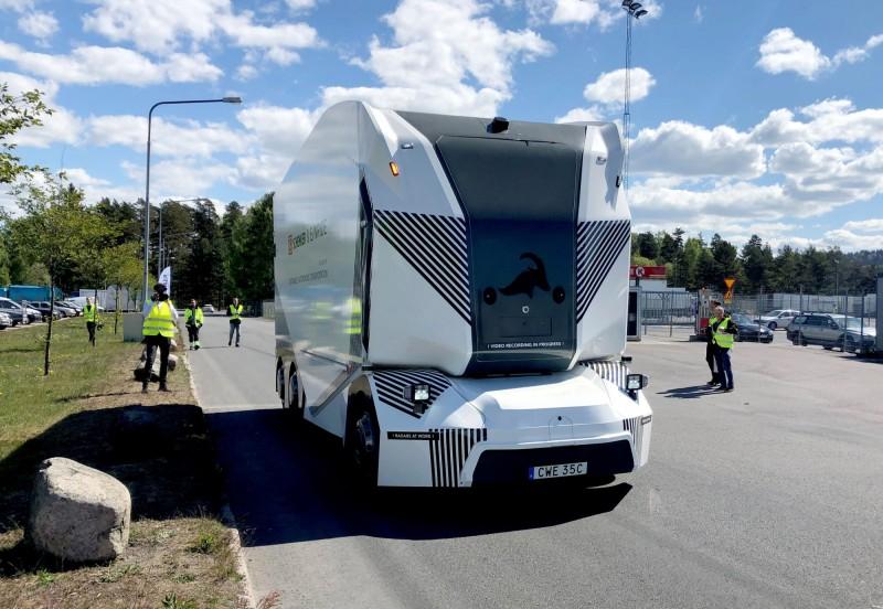 瑞典新創公司Einride的無人駕駛電動貨車「T-Pod」獲得了瑞典運輸管理部門的上路許可。(路透)