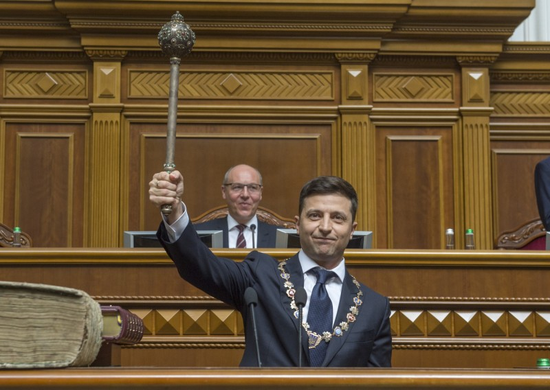 烏克蘭諧星總統澤倫斯基(Volodymyr Zelenskiy)宣誓就職。(美聯)