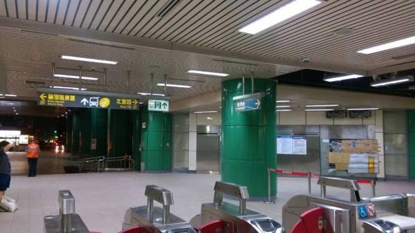 經過工作人員連夜搶修,趕上早上六點北捷營運前恢復正常。(圖擷自台北捷運臉書)