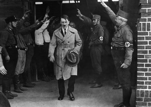 已故納粹領袖希特勒逝世超過一甲子,近來有歷史學者證實他只有一顆睪丸的傳聞,更指出他的陰莖比一般人短小。(美聯社)
