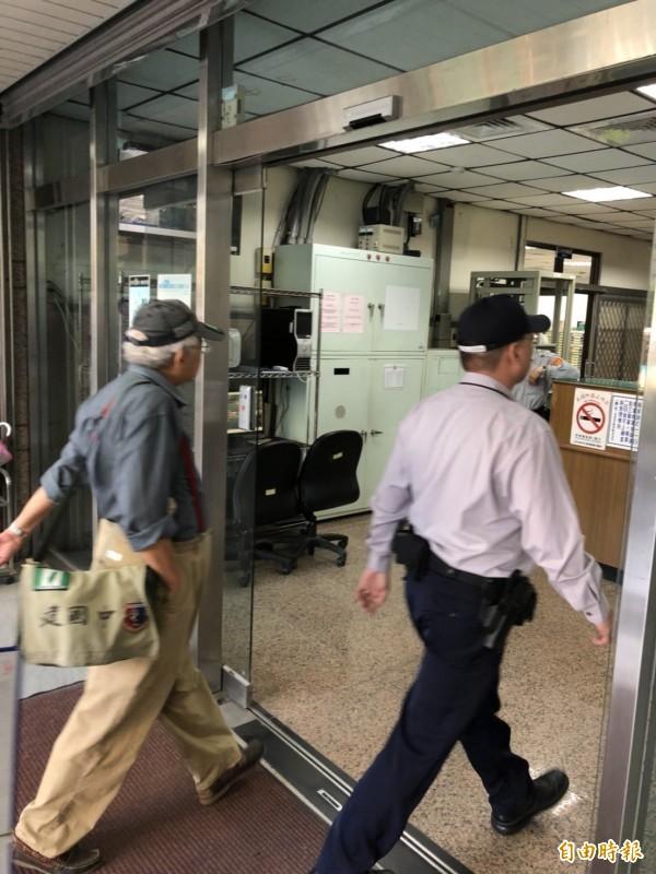 台北地檢署認定郭男丟鞋致使柯P隨扈受傷的事證明確,依傷害罪將他起訴。(資料照)