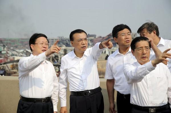 中國國務院總理李克強昨天到現場勘災。(路透)