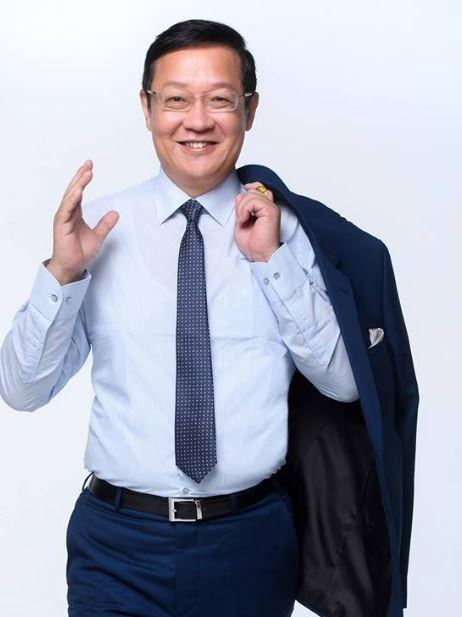 前外交官介文汲今(21)在臉書表示,「若韓不能參選總統,國民黨會再摔一大跤!」(圖取自臉書)