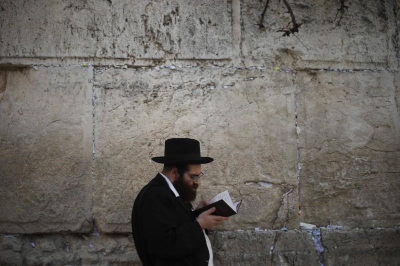 位於舊城區的哭牆是重要的觀光勝地,也是猶太教最神聖的地點之一。(美聯社)