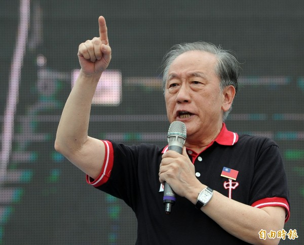 新黨主席郁慕明下午在臉書PO出新黨聲明稿,指出現在台灣內政是被國際駭客組織以行動干預,讓台灣面臨內亂與外患相互勾結的問題。(資料照,記者王敏為攝)