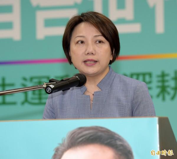 社會民主黨黨主席、台北市長參選人范雲昨天深夜宣布,退出台北市長選舉,她表示,由於無法募得候選人登記費的200萬元,以及缺乏同台政策辯論意願的政治文化,決定宣布退選。(資料照)