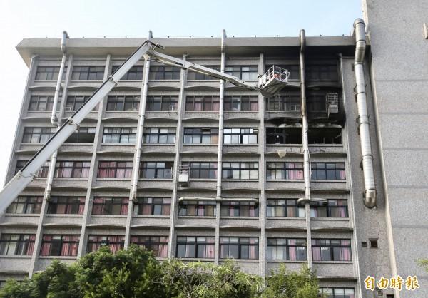 衛福部台北醫院護理之家大火,造成9死、11重傷。(記者羅沛德攝)