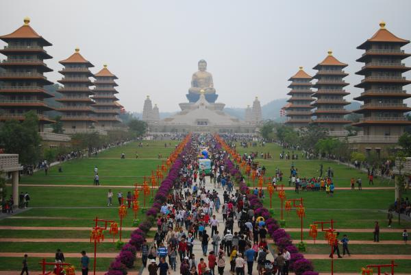 佛陀紀念館被壹週刊爆出違建後迄今1年仍未改善,高市府甚至還未針對違建部分開罰。(資料照)