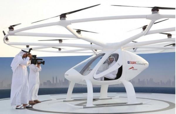 杜拜將推出「空中計程車」服務,這項野心勃勃的計畫在阿拉伯聯合大公國酋長國中成為首創,「空中計程車」星期一在杜拜首度試飛成功。(路透社)