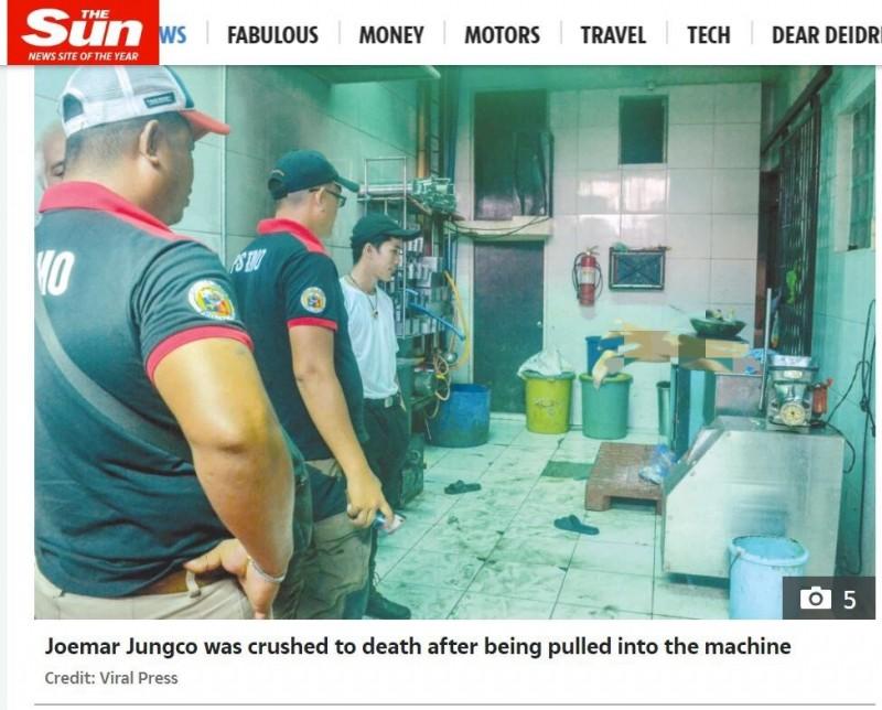 菲律賓一名男子日前疑似操作碎肉機不慎,慘死在機器裡頭,只剩一雙腳露在外面。(圖擷取自太陽報)