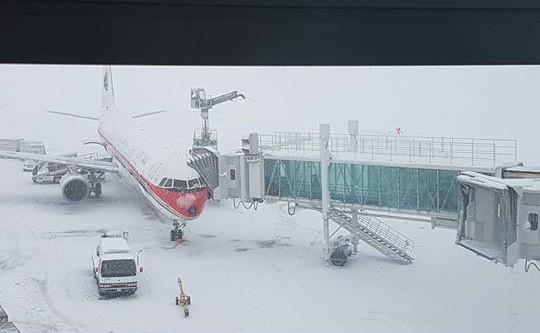 新千歲機場目前有268航班取消。(本報讀者提供)
