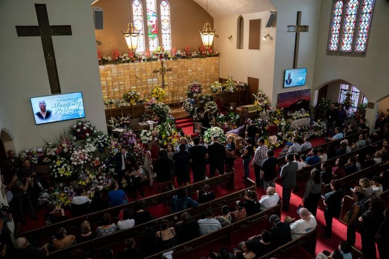 典禮至少收到超過900個花籃、花束,最遠來自亞洲。(法新社)