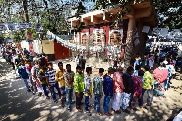 孟加拉今(30)日举行大选,投票期间冲突和意外事件频传。(法新社)