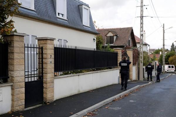 法國1名警察開槍共造成3人死亡,數人受傷,隨後該名警察舉槍自盡。(法新社)